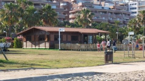 Biblioteca-en-la-playa